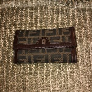 FENDI wallet VINTAGE shinny leather damage corner